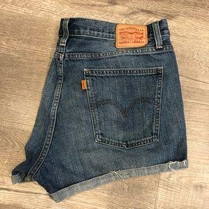 Levis cuffed orange tag wedgie short size 32